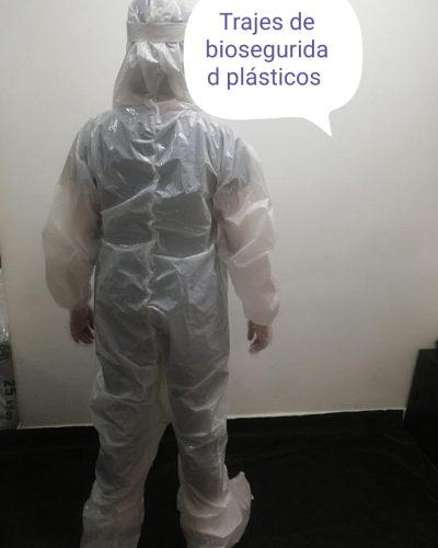 trajes plasticos bioseguridad